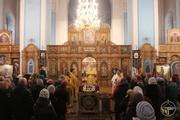 У день пам´яті трьох святителів митрополит Іоасаф звершив Літургію та священицьку хіротонію у Свято-Покровському храмі